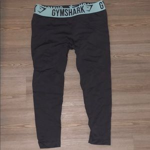 7/8th Grey Gym shark leggings with teal band